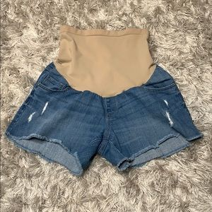 Oh Baby by Motherhood denim distressed shorts